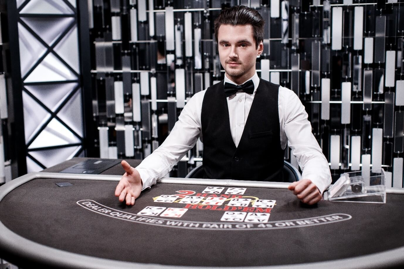 Play Live Casino Hold'em from Evolution Gaming at PlayOJO